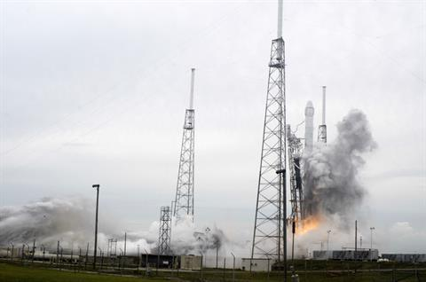 SpaceX lanza cápsula Dragon a la Estación Espacial Internacional